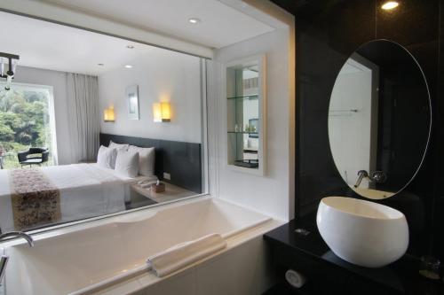 حمام في فندق بادما باندونغ