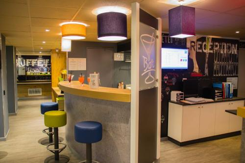 The lobby or reception area at ibis budget Marseille Vieux Port