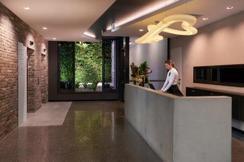 The lobby or reception area at Sage Hotel James Street