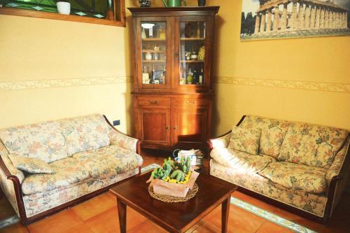A seating area at B&B Viale delle Colline