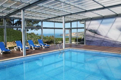 The swimming pool at or near Hotel Miramar Sul