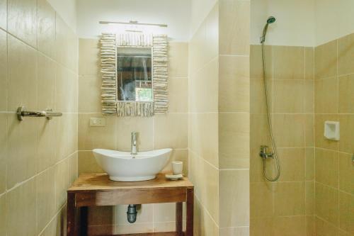 A bathroom at Playa Encantada Beach Resort
