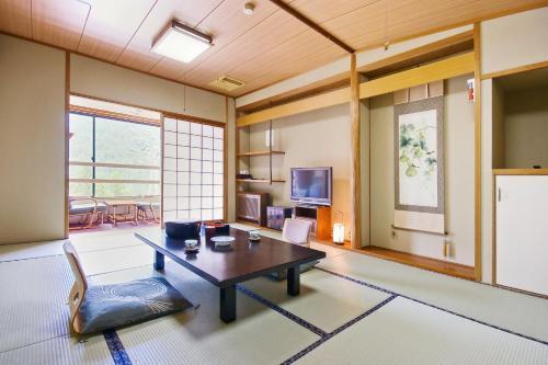 A seating area at Hotel Kazurabashi
