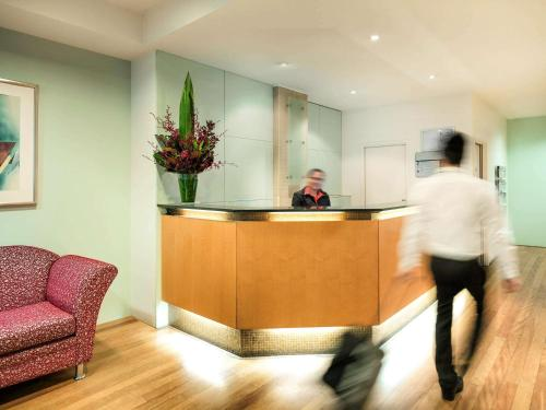The lobby or reception area at YEHS Hotel Melbourne CBD