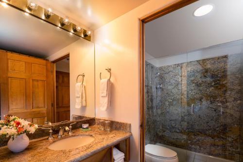 A bathroom at Hotel Santa Fe