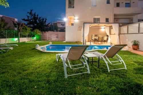 The swimming pool at or near Dream Villa
