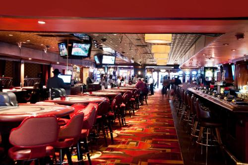 A restaurant or other place to eat at Golden Gate Casino Hotel