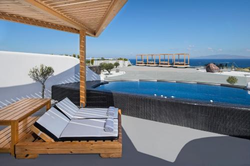 Piscine de l'établissement Elea Resort - Adults Only ou située à proximité