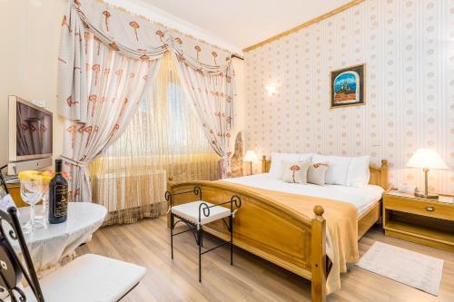 A bed or beds in a room at Villas Arbia - Margita