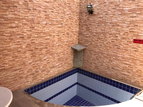 A piscina localizada em Cassino Motel ou nos arredores
