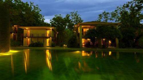Бассейн в Narada Resort & Spa Qixian Mount или поблизости