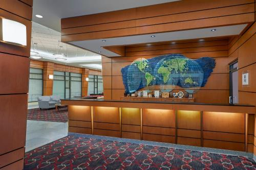 The lobby or reception area at Four Points by Sheraton Vancouver Airport