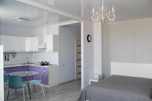 Кухня или мини-кухня в Апартаменты на Краснопресненской
