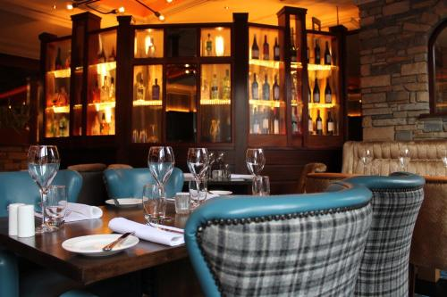 A restaurant or other place to eat at Abbey Hotel Donegal