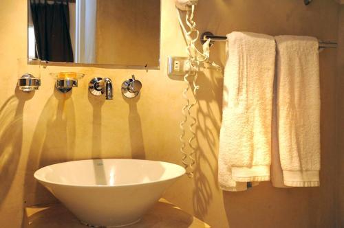 A bathroom at Posada Caracol