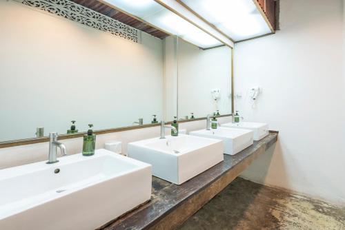 Un baño de Suneta Hostel Khaosan