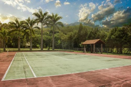 Tennis and/or squash facilities at Hotel Moradas do Penedo or nearby