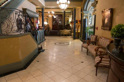 The lobby or reception area at Hotel Majestic