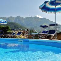 Albergo Miramonti, hotel in Comano