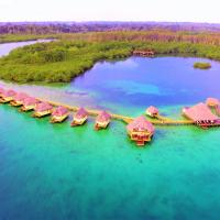 Punta Caracol Acqua Lodge, hotel in Bocas Town