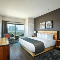 Ravel Hotel Trademark Collection by Wyndham, hotel in Queens