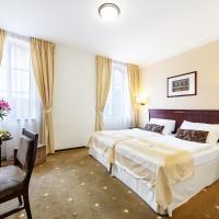 Hotel & Apartments U Černého orla, hotel v destinaci Třebíč