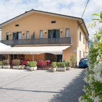 Hotel Tre Castelli, hotell i Gallicano
