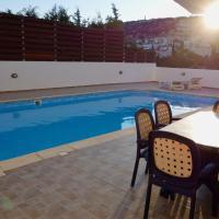 Apartments Alineris, hotel in Peyia