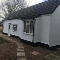 Manor Bungalow, hotel in Walsall