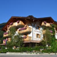 HOTEL La Locanda, hotel in Pinzolo