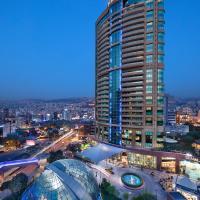 Hilton Beirut Habtoor Grand Hotel, hotel near Beirut Rafic Hariri International Airport - BEY, Beirut