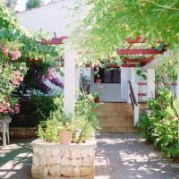 Apartments Lovor, hotel in Silba