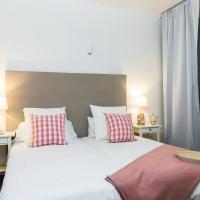 Apartamentos Cornellalux 2, hotel in Cornellà de Llobregat