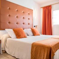 Apartamentos Oasis Sa Tanca, hotel in Cala Llonga