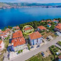 Apartments Pava, hotel in Okrug Donji