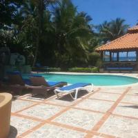 D' Franchesis Hostal, hotel in Juan Dolio