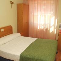 Hostal Arlanzón, hotel cerca de Aeropuerto de Burgos - RGS, Burgos
