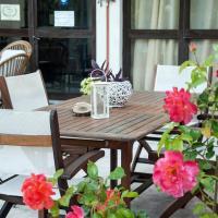 Malibu, отель в Глифаде