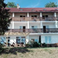 Hotel Sobol, отель в городе Вранов-над-Дийи