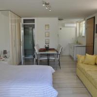 Cosy Studio with Garden / Individual apartment
