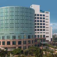 Savoy Suites Greater Noida, hotel in Greater Noida