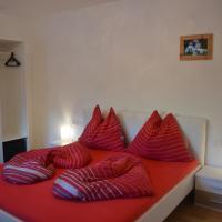 Apartment Klein & Fein, hotel in Schlitters