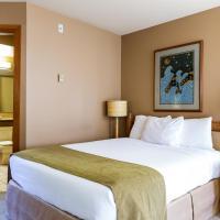 Tsa-Kwa-Luten Lodge, hotel near Campbell River Airport - YBL, Quathiaski Cove