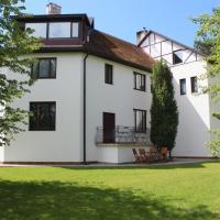 Villa Neubad, hotel in Saulkrasti