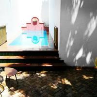 Frenteabastos Hostel Suites Cafe