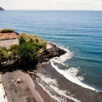 Cozy Apartment Beach and Mountain, hotel in San Andrés