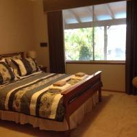 Riverfront71 B&B, hotel in Perth