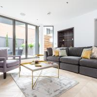 Luxury Apartment with Balcony - Charlotte Street