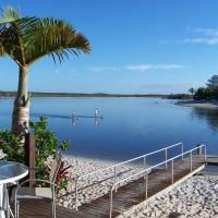 Skippers Cove Waterfront Resort, hotel in Noosaville