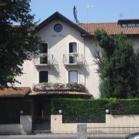 Hotel Villa Monica, hotell i Prata di Pordenone